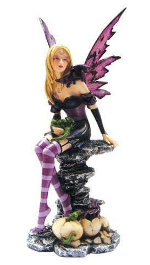 Nemesis Now - Amethyst and Hatchlings Fairy