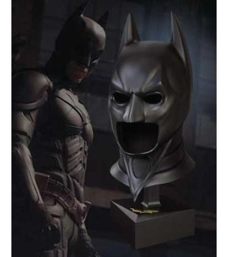 The Dark Knight - Batman 1:1 Cowl Replica with Stand